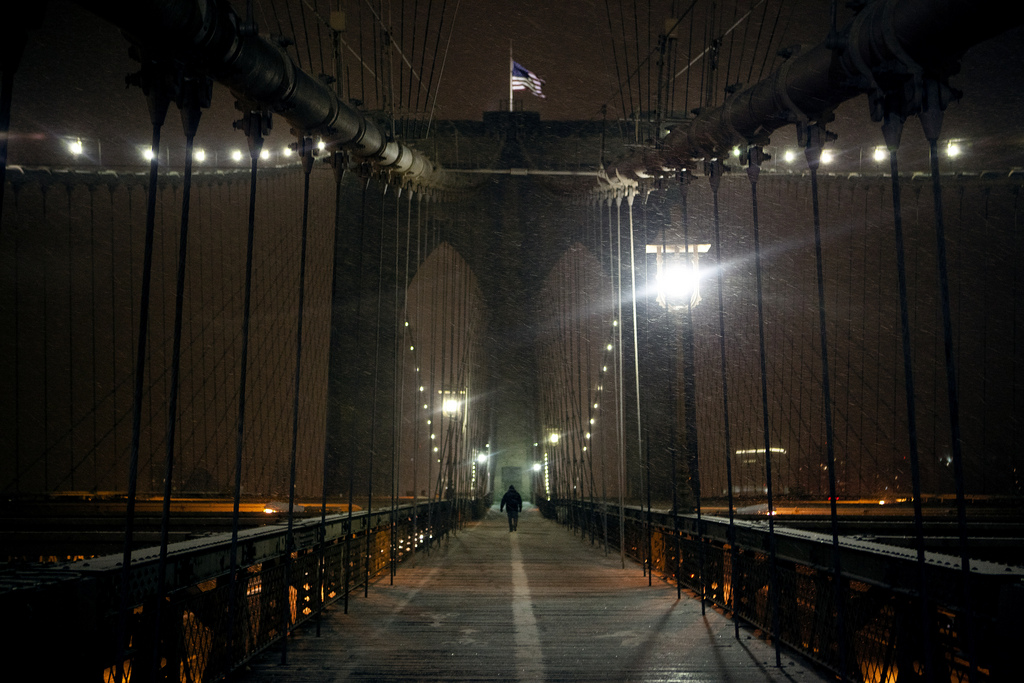 New York Snow Blizzard 2011, Lone Man on the Brooklyn Bridge